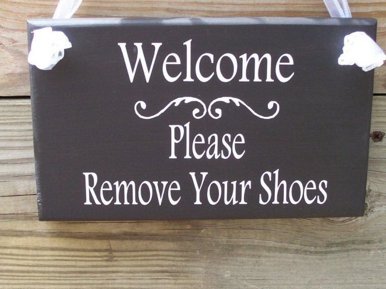 ... per credere! toglietevi-le-scarpe-prima-di-entrare-1024x768 b4d538348e4